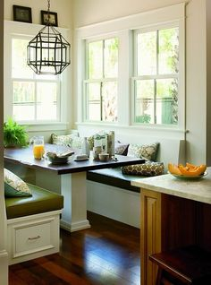 Kitchen Dining: Neat Nook - Eat In Kitchen Design Ideas - Southern Living Kitchen Booths, Kitchen Nook, Eat In Kitchen, Kitchen Dining, Kitchen Banquette, Kitchen Seating, Eclectic Kitchen, Nice Kitchen, Kitchen Tables