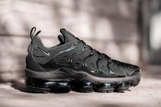 half off 804d0 7063c Nike Air VaporMax Plus to Release in Black Colorway