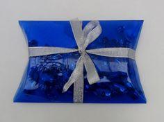 Como hacer cajas de regalo con botellas de plástico - Pillow box made wi...