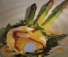 LE GUSTOSE RICETTE  DI NONNA MARIA: Uova con asparagi e fonduta di provolone