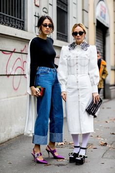 Wide leg cropped jeans white black tee and purple heels  streetstyle Street  Style 2018 04d7dc4a5a44