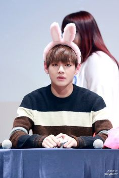 lol, I can't decide what's cuter, your face expression or your bunny head band
