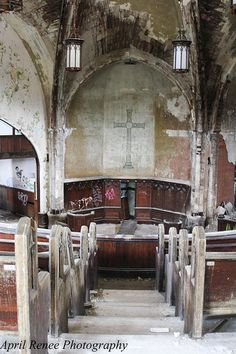 Woodword Presbyterian Church, abandoned, Detroit