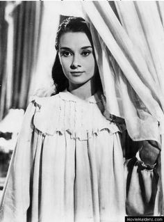 Audrey Hepburn - I want to have a night gown like this one <3