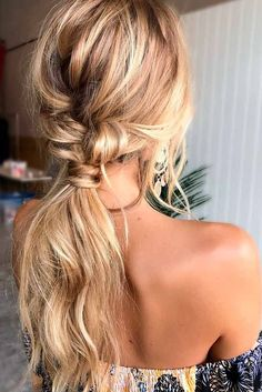 Best Bohemian Hairstyles That Turn Heads ★ See more: http://glaminati.com/best-bohemian-hairstyles/