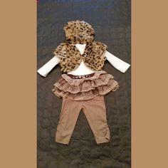 ensemble bébé fille 4 pièces  tunique a volants taupe + 1 berret léopard +  1 gilet sans manche léopard + leggins taupe