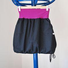 Puntíčkatá do balónku Krátká sukně z krásné bavlněné, černé, puntíčkaté látky, ušita dle vlastního návrhu. Sukně má pružný pas ušitý z fialového úpletu. Sukně má dvě kapsy ozdobené logem. Dole na sukni je navlečená šňůrka, kterou můžete libovolně stahovat. Vše je začištěno na overlocku černou nití. Vel: pas pruží - 82 - 97 cm. Délka sukně je cca 45 ... Diy Clothes, Ballet Skirt, Denim, Sewing, Children, Skirts, Collection, Fashion, Sewing Ideas