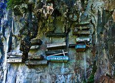 hanging coffins in Echo Valley, Sagada, Philippines