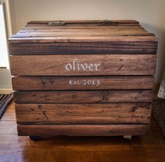 Repurposed Pallet Wood Toy Box by kensimms on Etsy, $125.00