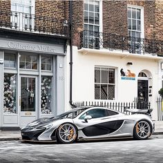 #supercarsoflondon by @alexbabington #chrome #mclaren #p1 #mso #london #supercar #carbon #summer
