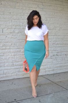 Cute Outfits For Plus Size Women. Graceful Plus Size Fashion Outfit Dresses for Everyday Ideas And Inspiration. Plus Size Refashion. Casual Work Outfits, Curvy Outfits, Mode Outfits, Chic Outfits, Skirt Outfits, Curvy Work Outfit, Casual Wear, Plus Size Fashion For Women, Plus Size Women