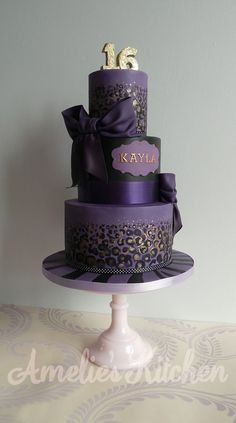 Purple And Gold Leopard Print A purple version of my previous leopard print cake, the customer wanted an identical cake but in purple. Gorgeous Cakes, Pretty Cakes, Amazing Cakes, Cupcakes, Cupcake Cakes, Fondant Cakes, 16 Birthday Cake, 16th Birthday, Sweet 16 Decorations