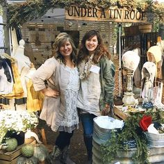 Throwing it back to last autumn at the Country Living Fair in Atlanta! 💛 We've had the wonderful opportunity to be interviewed by the lovely Anne of @mygiantstrawberry on our business' beginnings, our journey, and plans for the future. Such a fun time - thank you, Anne!! I've put the link to our interview temporarily in our profile. Would love for you to check it out! #underatinroof