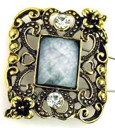 1ornate focal bead 2 hole slider beads 9577