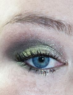 Clickfunnels - Page Not Found Hooded Eye Makeup, Eye Makeup Tips, Beauty Makeup, Hooded Eyes, Makeup Ideas, Urban Decay Liquid Moondust, Green Makeup, Moon Dust, Beauty Must Haves