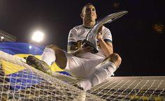 Carlos Tevez, el ídolo de Boca que cambió euros por gloria - Carlos Tevez volvió para esto, para ser campeón con su Boca Juniors y llenarse de gloria, sin importarle los millones de euros que dejó de ganar al...