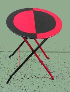MESITA INTERVENIDA, Pintura Sintética sobre mesa de metal plegable, 2011, DSCN2969.JPG -VENDIDO -