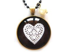 black & white heart pendant www.cloudninecreative.co.nz