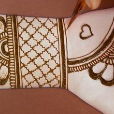 Indian Henna Designs, Mehndi Designs For Kids, Latest Henna Designs, Mehndi Designs Feet, Back Hand Mehndi Designs, Mehndi Designs Book, Stylish Mehndi Designs, Mehndi Designs For Beginners, Dulhan Mehndi Designs