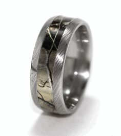 Titanium Wedding Ring Men's Polished Damascus Steel Camo Ring - Love your camo! The Damascus Steel Camo Ring brings you the world's best metalworking along with officially-licensed camo from Realtree and Mossy Oak. Camo Wedding Bands, Hunting Wedding Rings, Cheap Wedding Rings, Custom Wedding Rings, Wedding Men, Diamond Wedding Bands, Wedding Ideas, Shotgun Wedding, Wedding Stuff