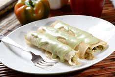 Crepes with chicken and poblano chile Mexican Cooking, Mexican Food Recipes, Ethnic Recipes, Crepes Rellenos, Salad Recipes, Healthy Recipes, Party Recipes, Healthy Food, Poblano Chile
