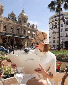 """""""Rendezvous at the grand Casino of Monte-Carlo in Monaco, Riviéra. Estilo Coco Chanel, Look Fashion, Fashion Outfits, Fashion Beauty, Classy Aesthetic, Summer Aesthetic, Rich Girl, Mode Vintage, Looks Style"""