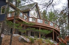 Big Curved Deck in Muskoka
