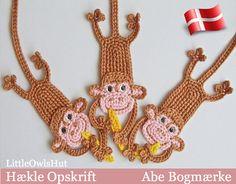 DANSK opskrift - https://www.etsy.com/dk-en/listing/237034029/029dk-abe-bogmarke-amigurumi-hakle