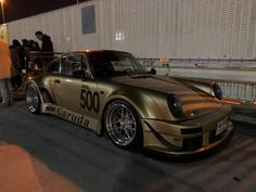 RWB at Tarumi parking Rauh Welt, Porsche 911, Truck, German, Japan, Cars, Vehicles, Modified Cars, Deutsch