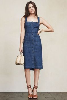 The Reformation Dress Everyone Is Buying - The one dress that The Reformation just can't keep in stock Source by - Denim Fashion, Look Fashion, Autumn Fashion, Fashion Outfits, Fashion Trends, Moda Jeans, Style Feminin, Looks Jeans, Estilo Jeans