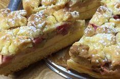 Rhabarber-Streuselkuchen mit Schmandcreme