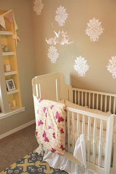 Love the wall decals in this baby's room. #baby #nursery #walls