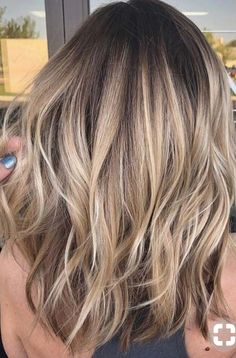 Looking for best variations in blonde hair colors? - Looking for best variations in blonde hair colors? As we know there are so many … Lisa Firle Frisuren, Zöpfe, geflochtene Haare Natural Blonde Balayage, Hair Color Balayage, Balayage Highlights, Baylage Blonde, Best Blonde Hair, Blonde Brunette Hair, Medium Balayage Hair, Medium Ash Blonde Hair, Natural Blonde Color