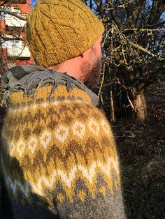 Ravelry: NishiKnits' Riddari - Fallen Leafs and Moss on Stone Icelandic Sweaters, Knit Basket, I Am Happy, Ravelry, Knitted Hats, Winter Hats, Crafty, Wool, Knitting