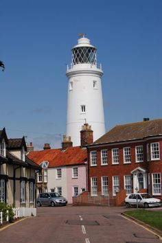 Southwold Lighthouse, Suffolk, East Anglia In dat roze huis wil ik wonen. Light Of Life, Light House, Places Ive Been, Places To Go, Suffolk England, Maine Lighthouses, Norfolk Broads, Lighthouse Photos, British Seaside