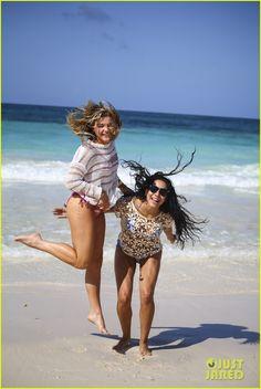 chloe moretz mia family beach birthday getaway 02