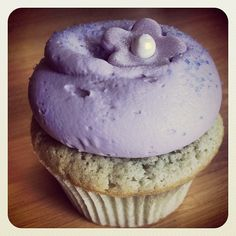 Never Turn Down A Cupcake: Georgetown Cupcake - Lavender Earl Grey Teacake - make it with Citrus Lavender Sage Herbal Tea and substitute the Earl Grey for the tea.