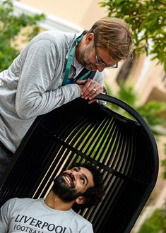 Jurgen Klopp and the Liverpool squad were pictured kicking back behind the scenes ahead of the Club World Cup semi-final in Doha. Liverpool Squad, Liverpool Players, Liverpool Football Club, Liverpool Anfield, Salah Liverpool, New Beachbody Programs, Mo Salah, Juergen Klopp, Flowers