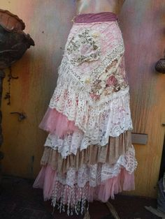 really cute outfits Vintage Outfits, Boho Outfits, Pretty Outfits, Beautiful Outfits, Bohemian Skirt, Gypsy Skirt, Boho Skirts, Wrap Skirts, Gypsy Style
