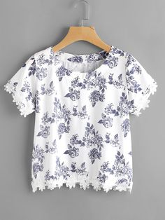 Shop Ditsy Print Floral Lace Hem Blouse at ROMWE, discover more fashion styles online. Casual Tops For Women, Blouses For Women, Lace Tops, Chiffon Tops, Lace Blouses, Embroidered Denim Shirt, Lace A Line Dress, Fashion 2017, Nice Dresses