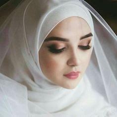 White fairy Muslimah Wedding Dress, Muslim Wedding Dresses, Muslim Brides, Muslim Girls, Muslim Women, Bridal Dresses, Islam Muslim, Bridal Hijab, Hijab Bride