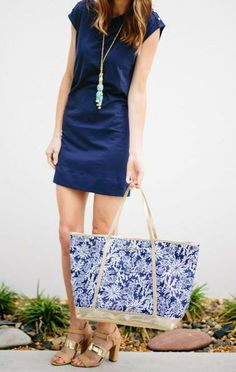 Lilly Pulitzer Robyn Dress & Coastal Tote worn by @Sarah Chintomby Tucker