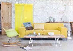 Ambiance unique pour ce salon blanc gris jaune. A la fois Scandinave, retro, loft. J'aime le camaïeu de jaune