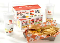 Minneapolis agency FAME got cooking when it tackled an identity design for growing restaurant chain MyBurger. See this award-winning design project. Burger Packaging, Food Packaging, Packaging Design, Packaging Ideas, Takeout Restaurant, Menu Restaurant, Restaurant Design, Food Logo Design, Logo Food
