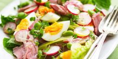 Friends and family will love this next-level egg salad made with salty ham hock teamed with crunchy radishes and peppery cress. Healthy and delicious! Egg And Cress, Salad Recipes, Healthy Recipes, Food Porn, Ham And Eggs, Eating Light, How To Make Salad, Bodybuilding, Cobb Salad