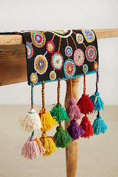 LOVE tassels. Turned Petals Table Runner - Pesquisa Google