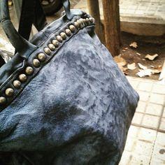 El bolso del otoño #leatherbag #fashion #barcelona #style #famous —