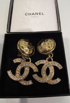 CHANEL AUTH Crystal CC Logos Dangle CLIP Earrings Rhinestone Gold Vintage w/BOX  #Chanel #EARRINGS