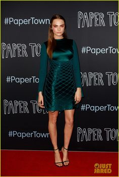 cara delevingne paper towns sydney premiere 01 Cara Delevingne is an emerald green goddess while attending the premiere of her new movie Paper Towns held at Miranda Westfield on Sunday (July 5) in Sydney, Australia.…