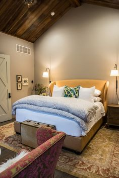 Find and save ideas about Farmhouse bedrooms on our site. See more ideas about Modern farmhouse bedroom, Spare bedroom ideas and Simple bedroom decor.